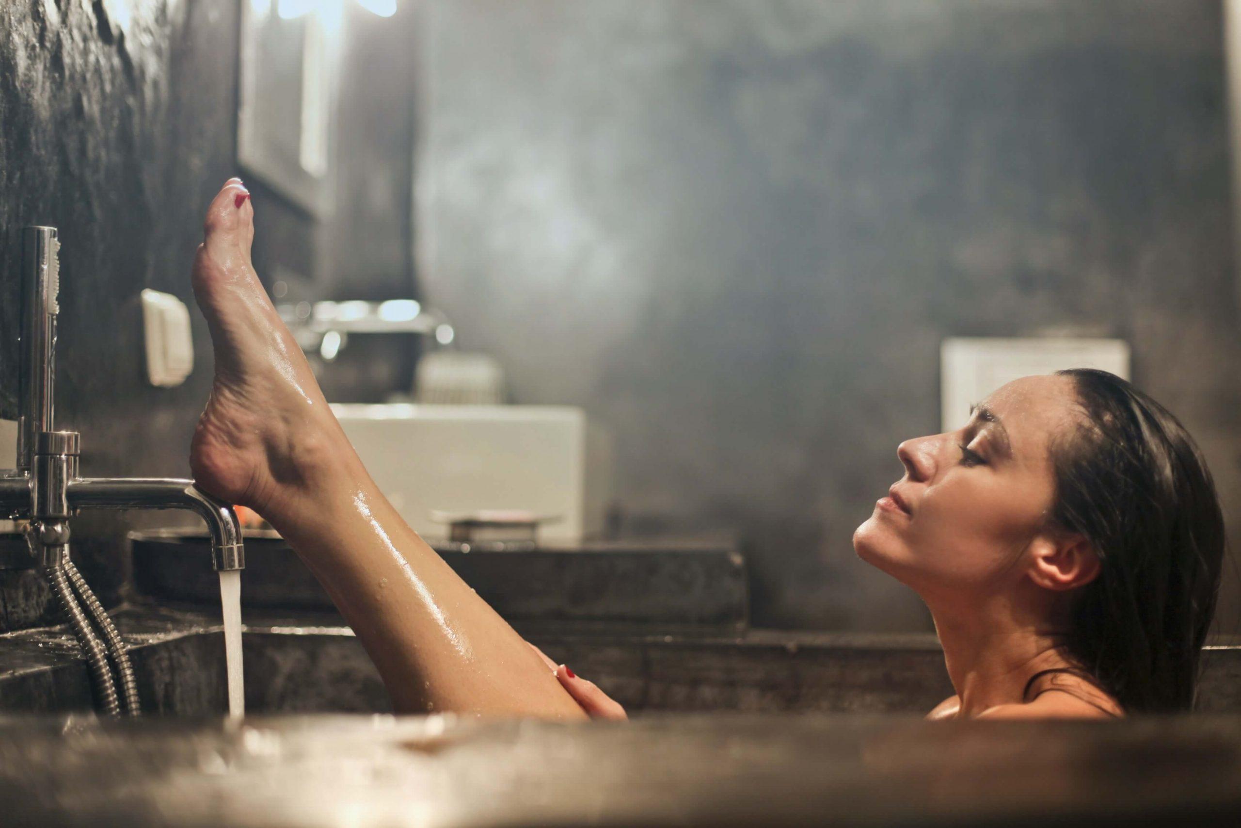温冷交互浴(交代浴)とは?最高にリラックスするお風呂の入り方